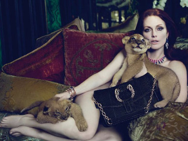 Julianne Moore lion cub abuse