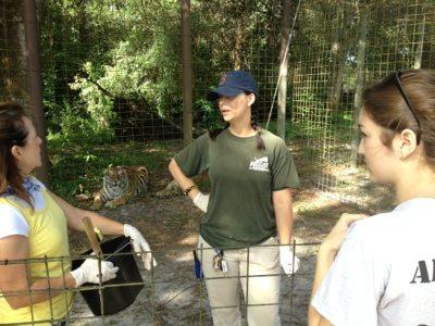 Jennifer Flatt discusses next project with Jr Volunteer Coordinator Babbs