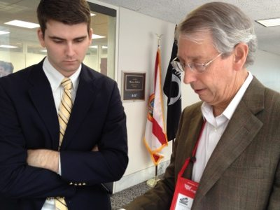 Howard discusses the plight of big cats in America w/ Sen. Rubio's staff