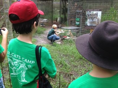 Summer Campers watch Operant Conditioning done by Marie