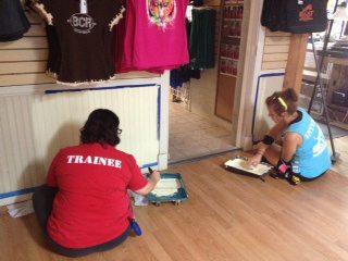 Volunteers-Painting-Giftshop-05